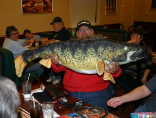 Richard displays proof of his big fish caught on a fishing trip with BeckyC. November 14, 2009