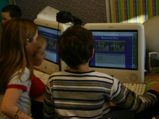 Students visit the Snowman Cam Website. Photo courtesy of Richard Guccini.